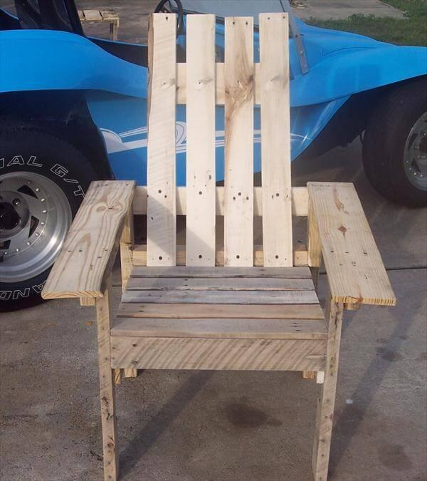 rustic yet sturdy pallet chair
