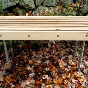 recycled pallet wood table with pipe legs