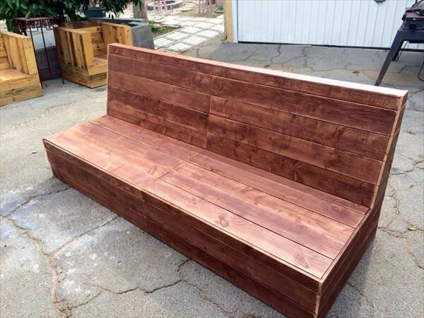 recycled pallet sturdy outdoor sofa