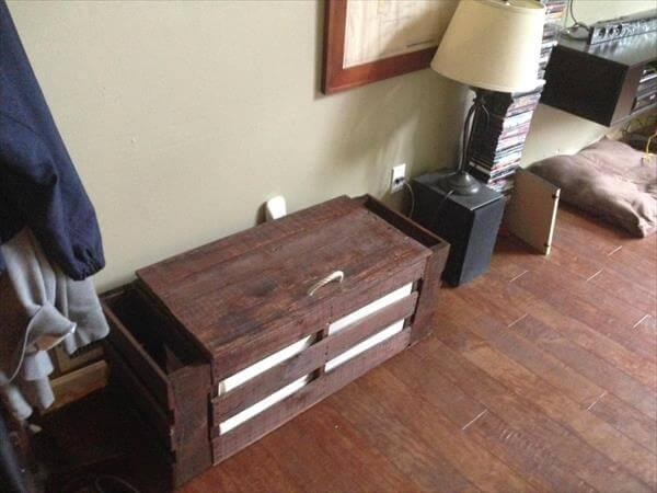 recycled pallet foyer bench with storage