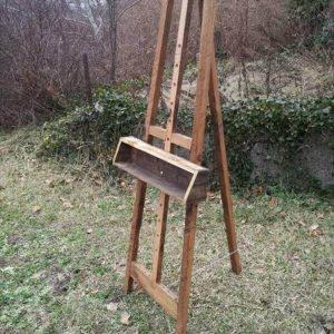 recycled pallet wood Easel