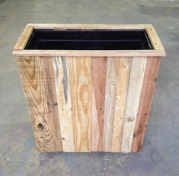 repurposed pallet planter box