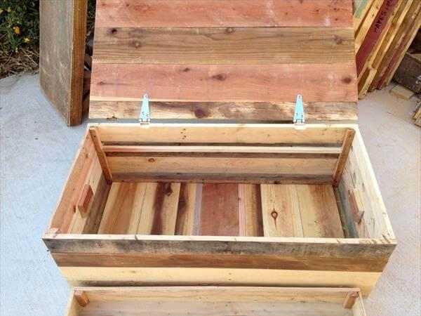 reclaimed pallet chest with tray