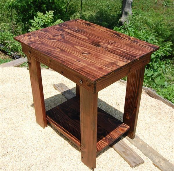 repurposed pallet end table and bedside table