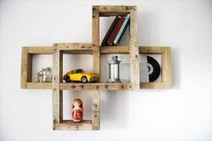 DIY Pallet Wall Hanging Art Shelf