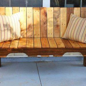 recycled pallet sitting bench
