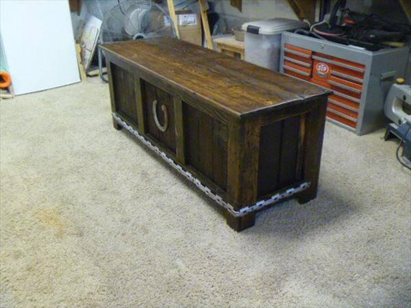 recycled pallet bench and storage chest