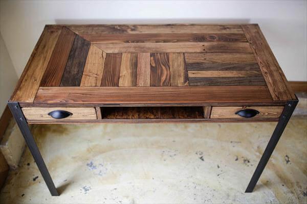 reclaimed pallet desk with metal legs