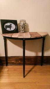 DIY Half Circle Pallet Table – Side Table