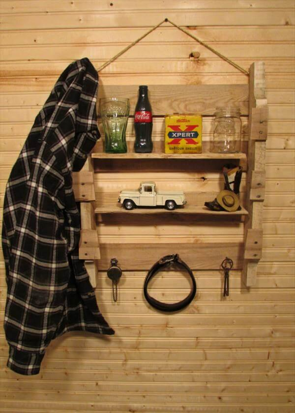 reclaimed pallet hanging shelf