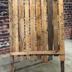 reclaimed pallet handmade easel