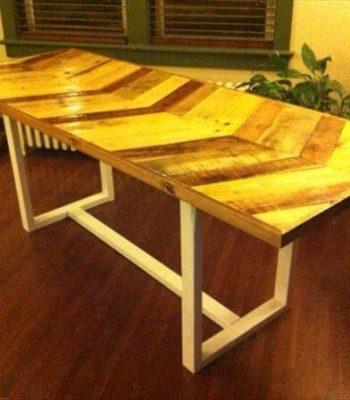 salvaged pallet wood farmhouse chevron dining table