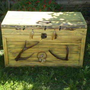 recycled pallet hope chest