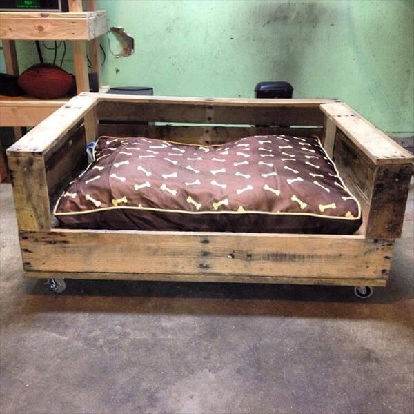 Build A Raised Pallet Dog Bed 101 Pallets