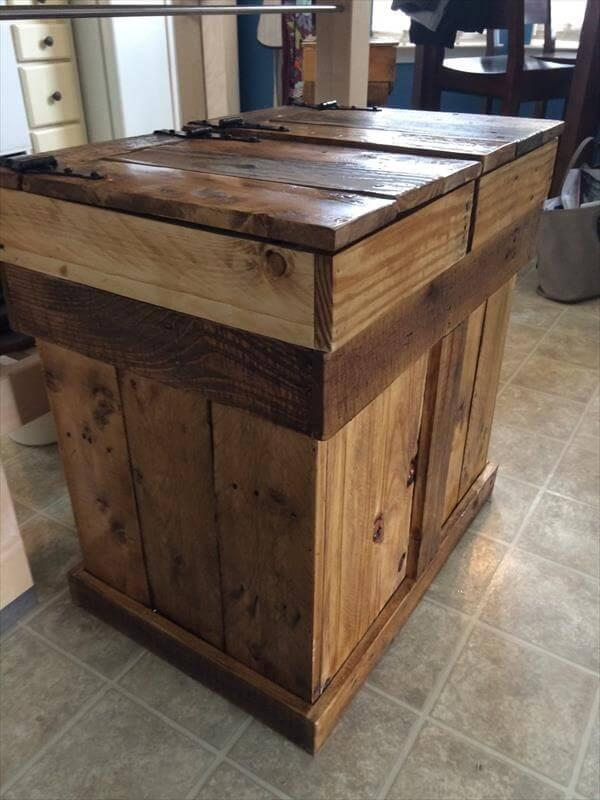 recycled pallet trash and recycle bin