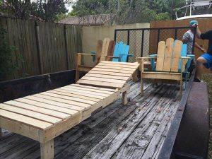 recycled pallet lounge chair