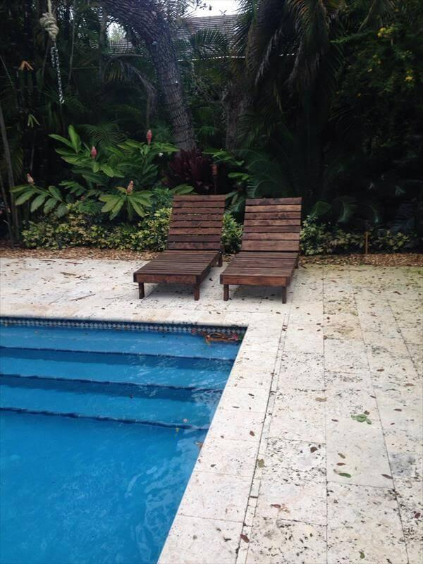 repurposed pallet poolside chairs