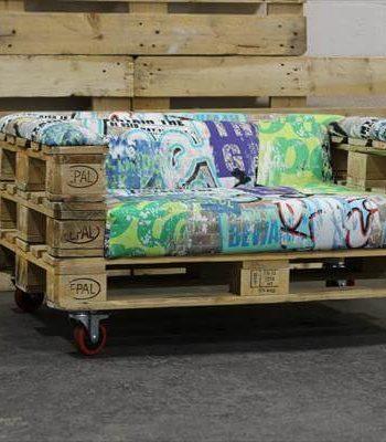 repurposed pallet rolling sofa
