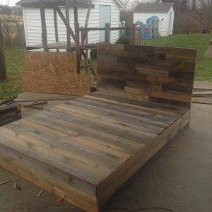 wooden pallet platform bed