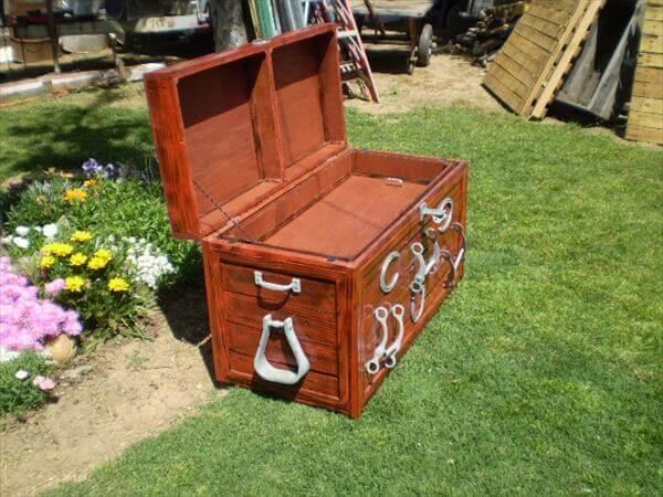 Diy Custom Built Pallet Hope Chest 101 Pallets