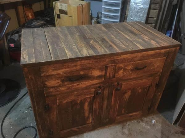 recycled pallet buffet