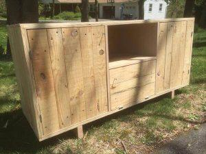 Pallet Media Unit and TV Stand