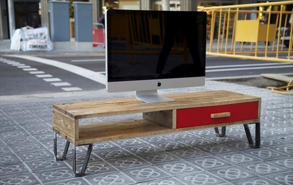 upcycled pallet low TV stand