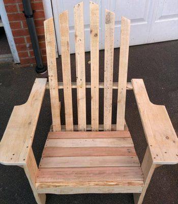 reclaimed pallet Adirondack chair