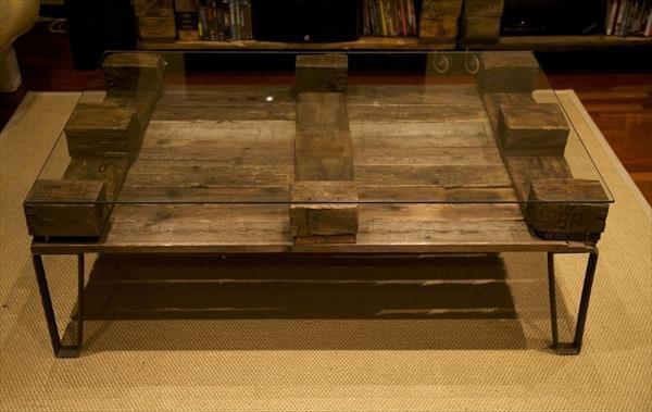 rustic yet modern pallet coffee table