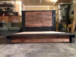 DIY Wood Pallet Bed with Headboard