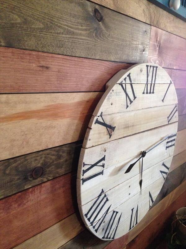 diy wooden pallet wall clock