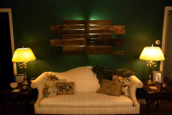 diy wooden pallet headboard backlit