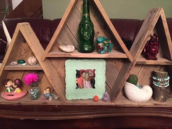recycled pallet mountain shelf