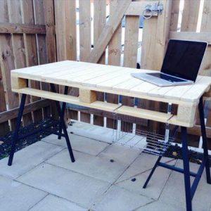 wooden pallet office desk with 3 post metal legs