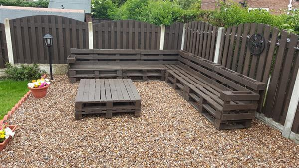 patio sofa made of whole pallet boards