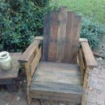 Recycled pallet rustic Adirondack chair