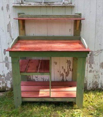 pallet and maple potting bench