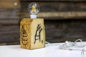 Wood Pallet Simple Styled Lamp