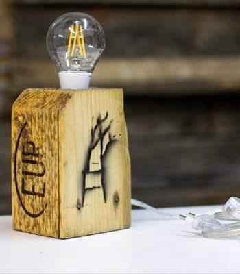 Repurposed pallet lamp
