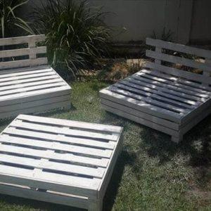 garden furniture set made of pallets
