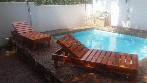 recycled pallet pool chairs
