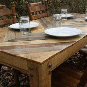 DIY wooden pallet chevron dining table