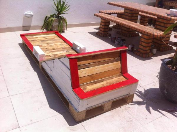 pallet outdoor lounger
