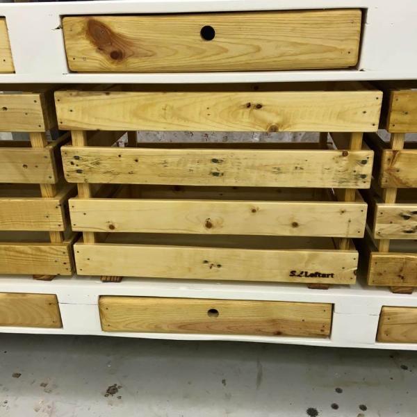 handmade-pallet-media-cabinet