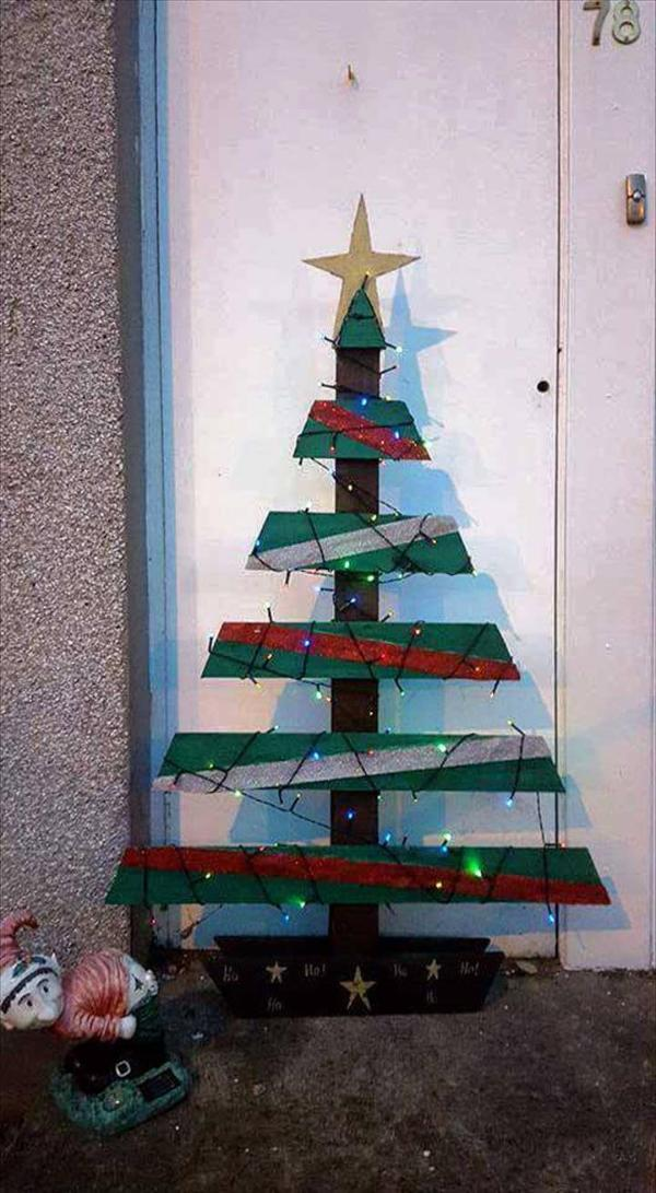painted pallet tree decor