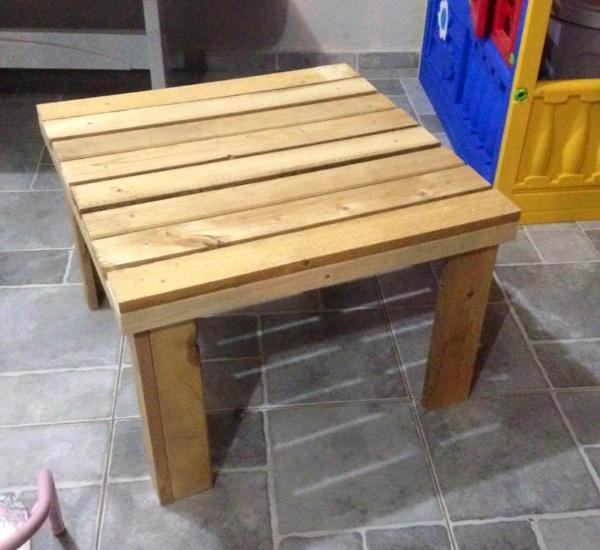 tiny pallet coffee table for kids