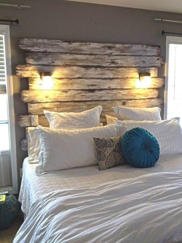 Recycled pallet bed with headbaord