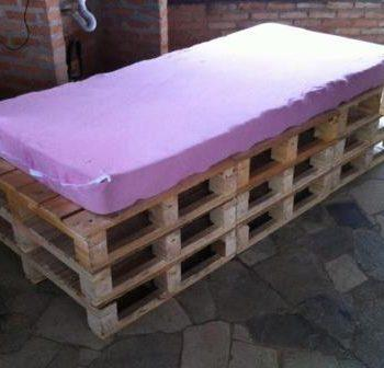 pallet wood couch or daybed
