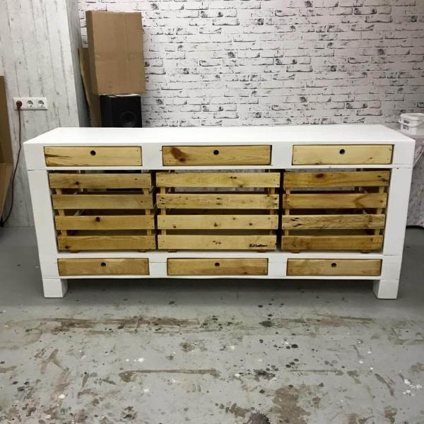Pallet tv stand cabinets and drawers 101 pallets for Cabinets 101