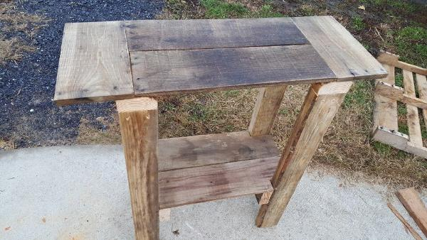 pallet-sofa-table